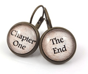pendientes-escritores 22 regalos originales para escritores/as