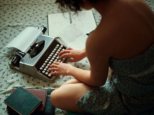 tumblr_l1f3hpyt8a1qa6hruo1_500_large1-1 7 regalos para escritores