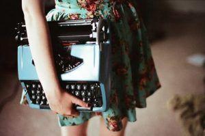 Fotos-de-maquinas-de-escrever-17-300x199 ¿Escribir en 1ª o 3ª persona? Los retos de cada voz narrativa